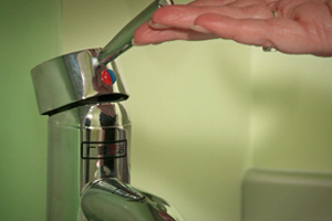 Piilolinssien pois ottaminen ja hygienia